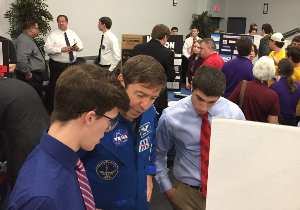 FDR JSC 2018-Astronaut Mike Barratt with Students